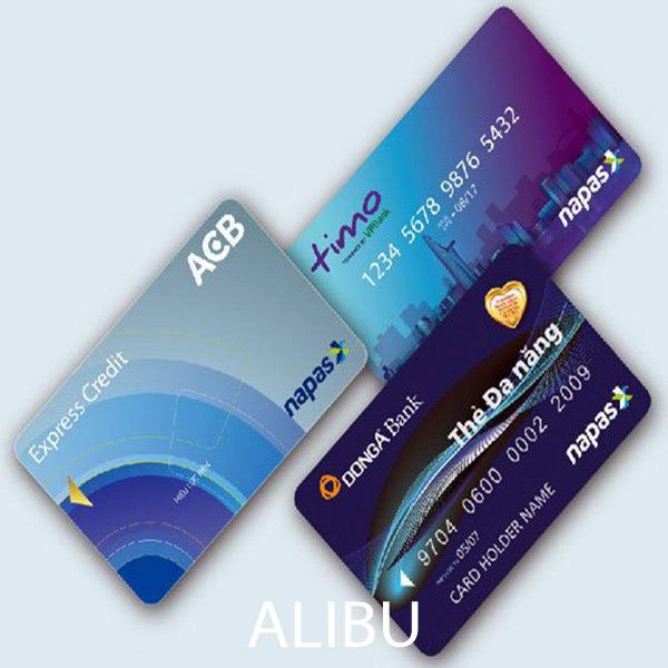 chuẩn bị đi chơi biển với thẻ ATM