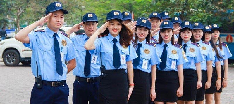 Đồng phục bảo vệ vào mùa hè