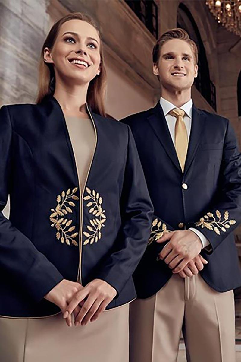 Đồng phục lễ tân thể hiện phong thái đặc trưng của mỗi doanh nghiệp