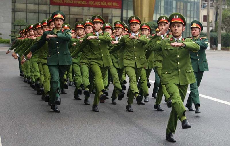 Đồng phục mùa đông của lực lượng công an nhân dân