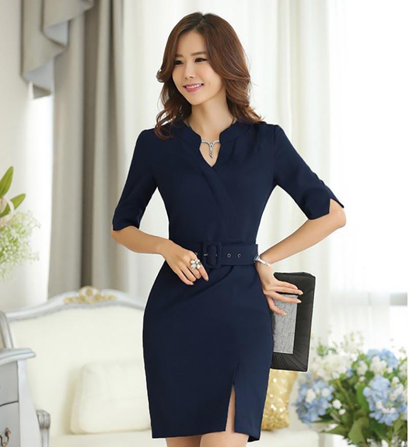 Những bộ váy liền thân giúp người mặc thêm nữ tính, quyến rũ