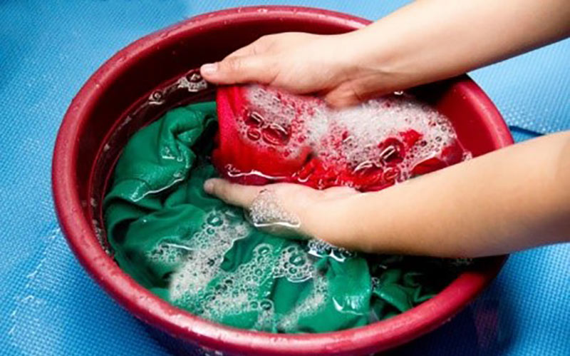 Giặt vải gấm trong nhiệt độ thích hợp để đảm bảo chất lượng vải