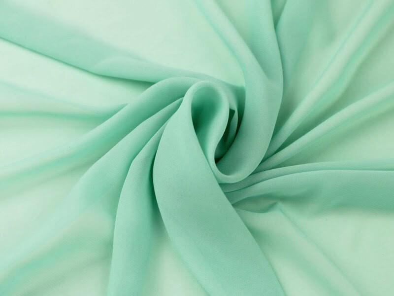 vải chiffon thường được tạo nên từ vải nylon và polyester