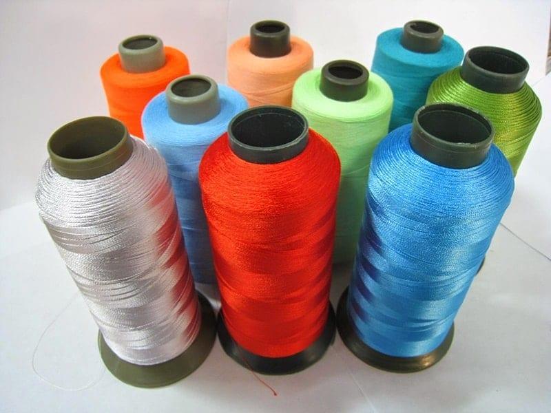 Tùy thuộc vào mẫu vải, các bạn có thể chọn lựa loại chỉ may phù hợp