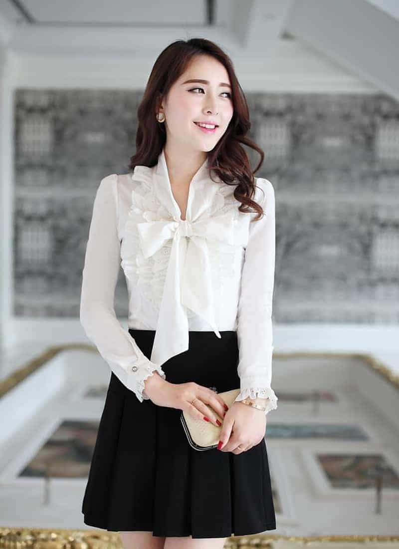 Cách thắt nơ áo đồng phục kiểu mềm mại giúp các bạn nữ thêm yêu kiều, tinh tế