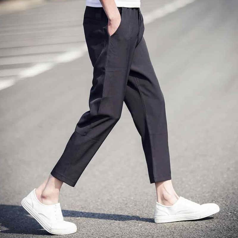 Làm lại lai quần giúp cho viền ống quần trở nên chắc chắn hơn, không còn bị bung chỉ