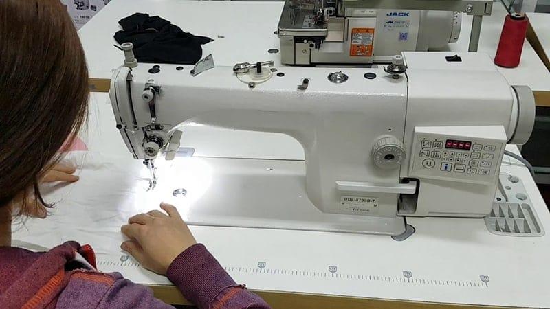 Các loại máy khâu công nghiệp đóng vai trò quan trọng trong quá trình sản xuất số lượng lớn