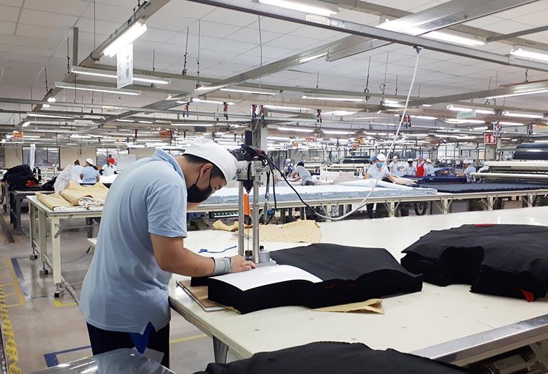 Bước trải và cắt vải rất quan trọng, ảnh hưởng tới chất lượng sản phẩm