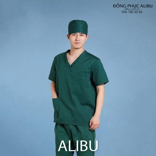 Áo blouse bác sĩ phẫu thuật màu xanh giúp thoải mái và tập trung hơn khi tác nghiệp