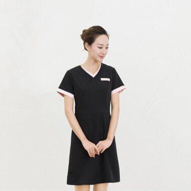 mẫu váy đồng phục spa màu đen 1
